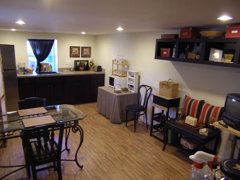 Kitchen (no stove) and dinette with cable TV.