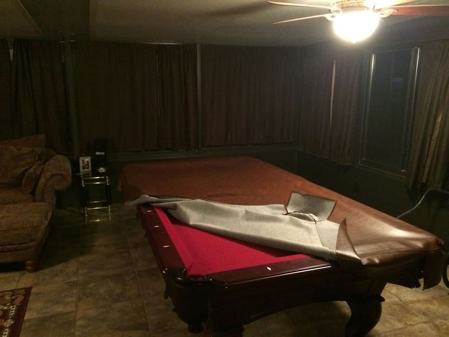 Sunroof with 8' pool table