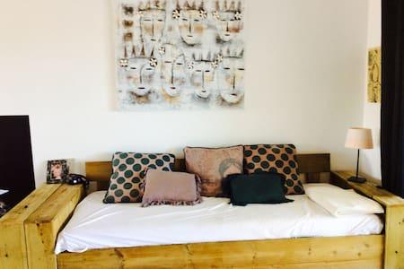 Vue Mer belle chambre meublée ! - Appartement