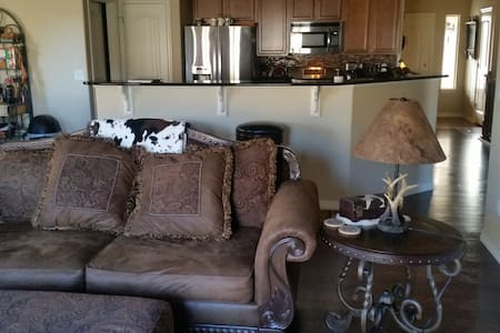 Cozy Western Home  for USAFA Parents & Guests! - Colorado Springs - Talo