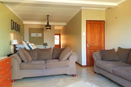 Comfy Suite Hartbeespoortdam