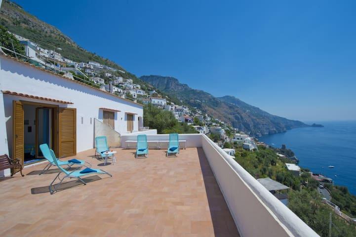 Villa albadorata see view ville in affitto a praiano for Piani di casa di 1300 piedi quadrati 2 piani