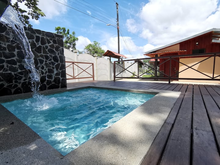 The Rain Forest Cabin w/Private pool (44Ft2)