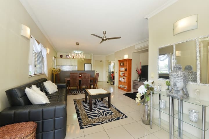 Cairns One - Apartment #406 - Westcourt - Lejlighed