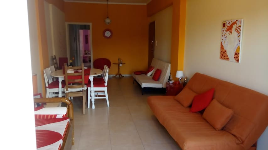 Apartment at the center of Oropos-Next to the sea