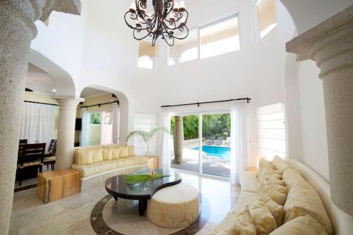 Elegant 5BD villa with private pool close to beach - Puerto Aventuras - Villa