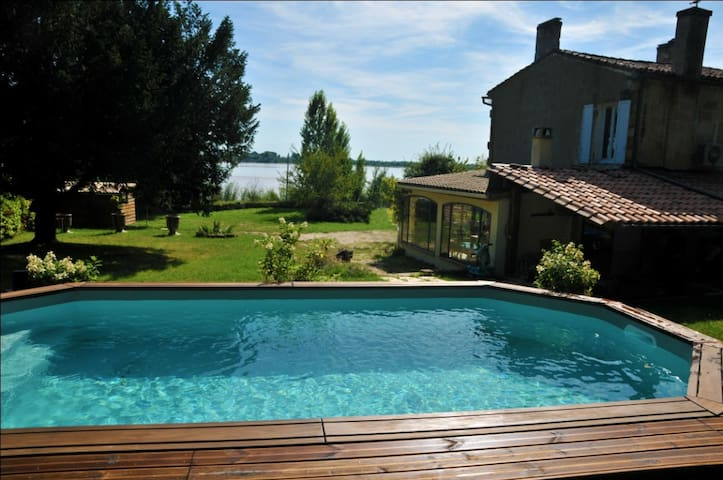 House for 6, 800sqm garden w pool - Bayon-sur-Gironde - House