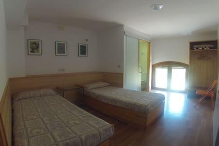 Habitación de 2 plazas con baño - Horta de Sant Joan