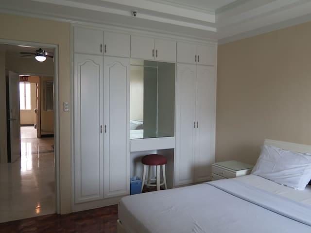 Standard unit - 1 bedroom Apartment in Ermita - Manila - Daire