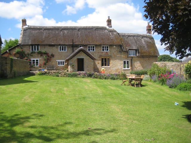 The Cottage, Parsonage Farmhouse with hot tub