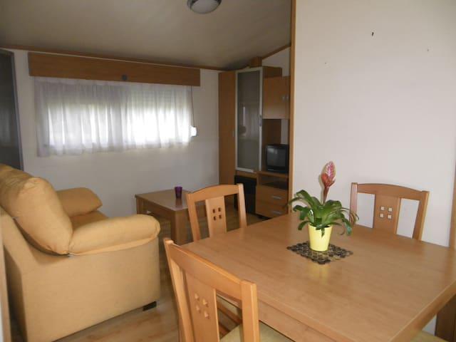 Bungalow meublé + grande terrasse