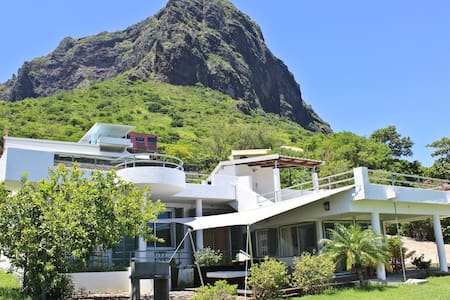 Nice seaview Villa with pool - Le Morne - House