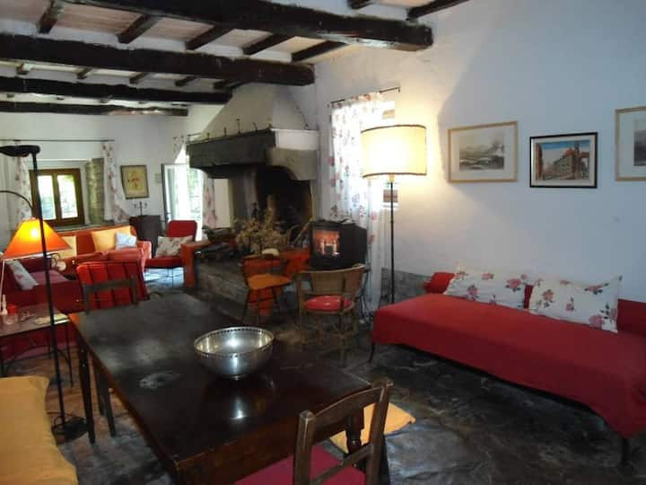 Antica casa colonica in pietra in Toscana