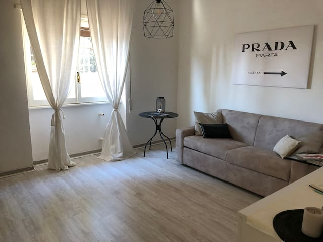 Cute Apartment (20' FCO Airport / 30' Citycentre)