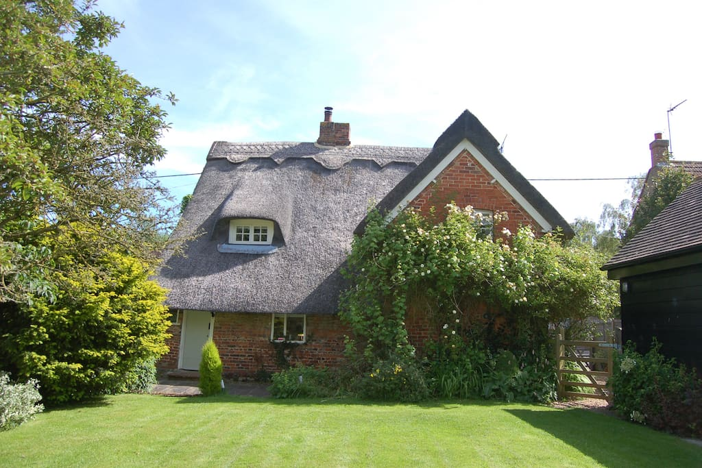 Fourpenny Cottage and garden