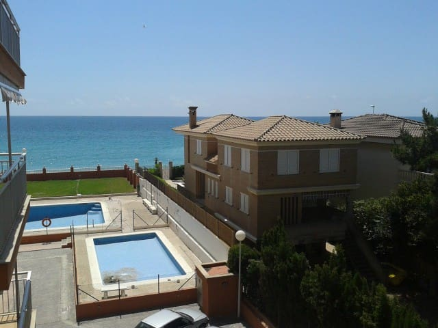 Excellent sea front apart with pool - Platja de Nules - Apartamento