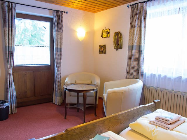 Haus Wildbach - Double room 6 - Reit im Winkl - Bed & Breakfast