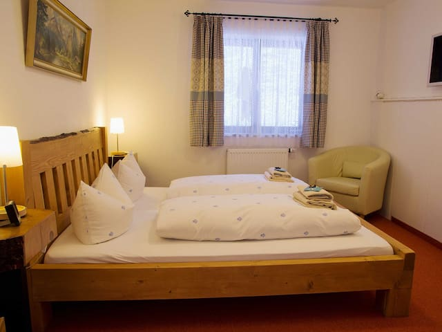 Haus Wildbach - Double room 9 - Reit im Winkl - Bed & Breakfast