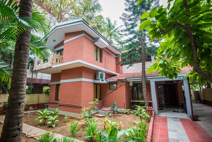 7 bed room bungalow - Springhaven Thiruvanmiyur