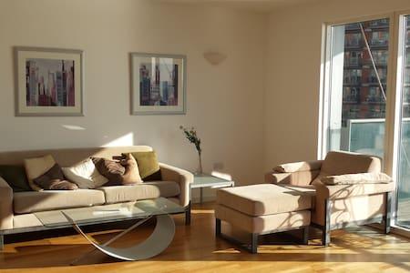 Luxury Flat - View on Thames + Pool