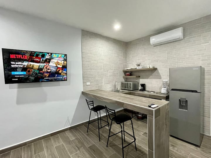 Delfin. Moderno, centrico, cómodo y limpio.