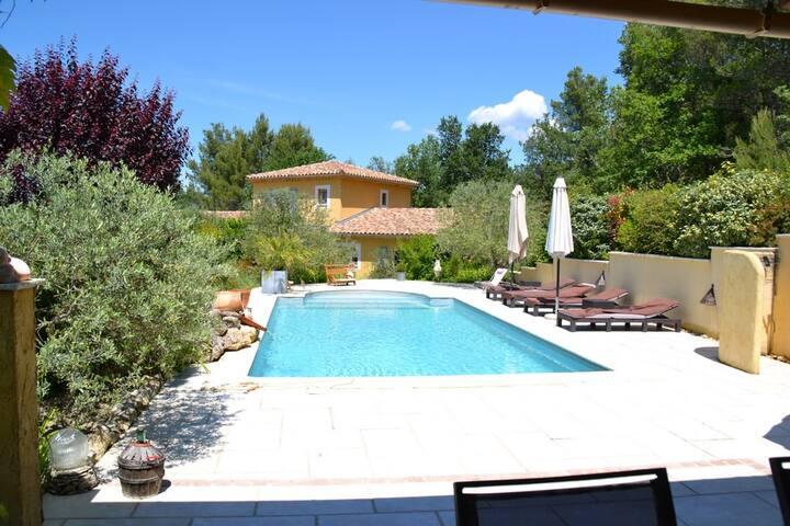 Chambres d'hôtes dans charmante villa provençale - Saint-Marcellin-lès-Vaison - Villa