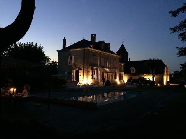 Moulin Bleu de Vézére - Saint-Pantaléon-de-Larche - Bed & Breakfast