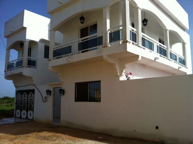 Villa indépendante avec piscine... - Thies - Willa