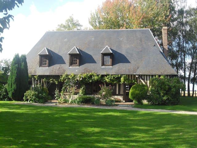 Maison normande au charme bucolique - Berthouville