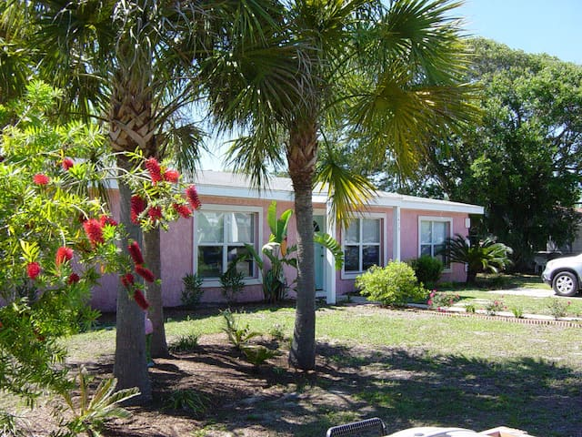 Walk to Beach or ICW ..3 bdrm home