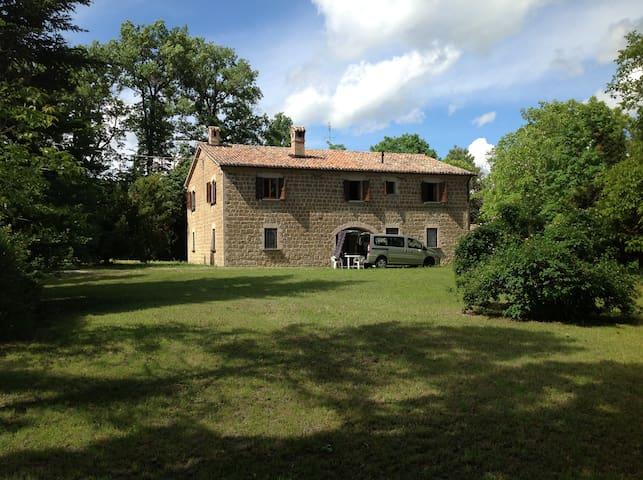 Casale di campagna - Frontone - Huis