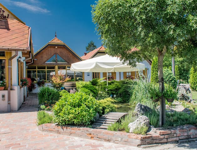 (URL HIDDEN) - Nagykanizsa - Bed & Breakfast