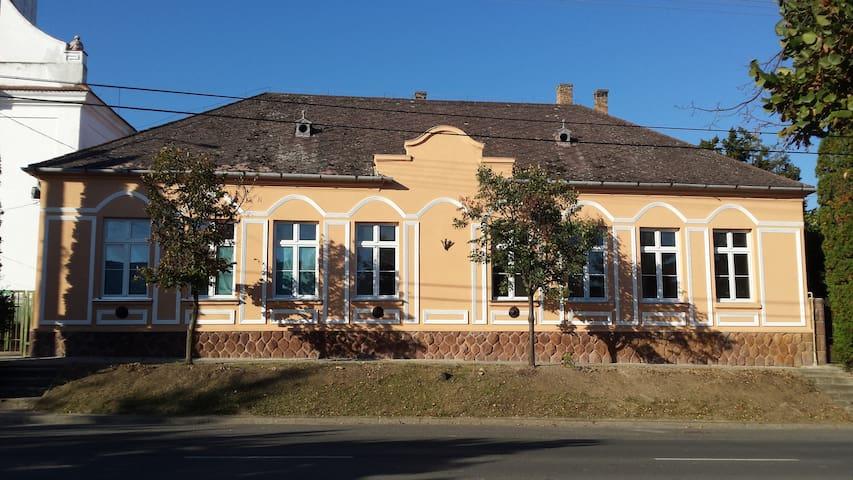 Ifjúsági szálló (Budget Hostel) - Kőröshegy - Muu