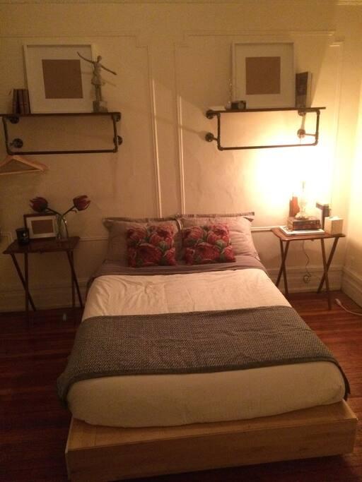 bedroom 2 (no door, only a curtain as a door)
