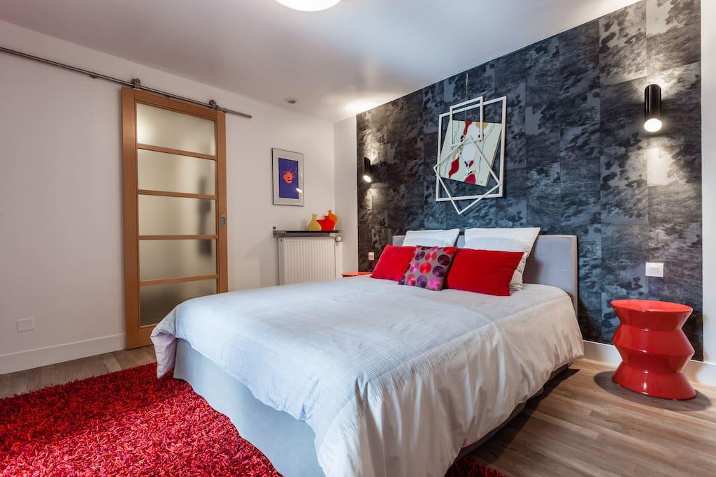 jolie chambre d 39 hotes dans un loft bed breakfasts louer reims. Black Bedroom Furniture Sets. Home Design Ideas