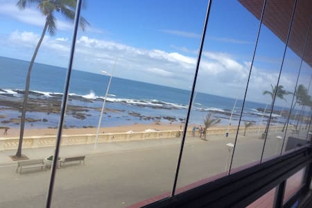 Flat de frente para o mar na Barra - Salvador