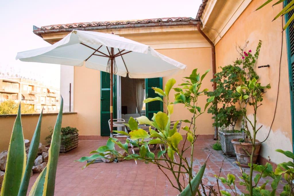 Terrazzo a trastevere porta portese appartamenti in - Porta portese affitti roma ...