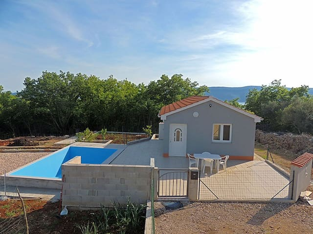 Lovely holiday house with pool 085 - Linardići - House