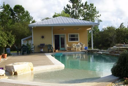 Charming private pool house - Korona