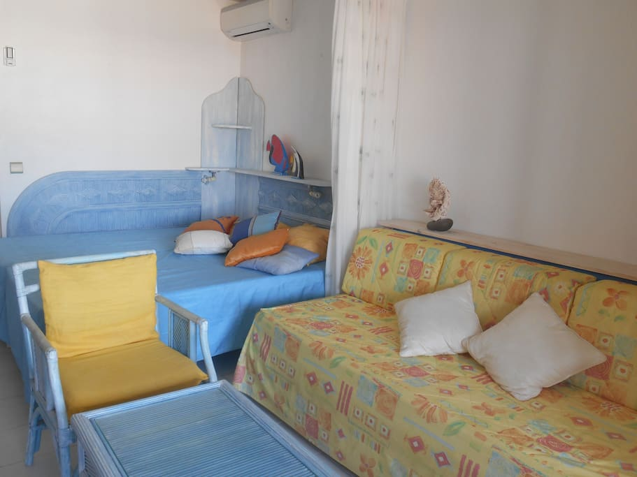 2 Lits jumeaux et canapé avec possibilité de couchage pour enfant