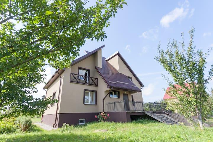 Уютный дом с баней и прудом - Kaliningrad - Talo