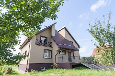 Уютный дом с баней и прудом - Kaliningrad - Casa