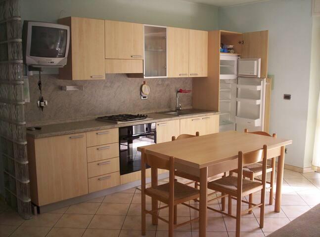 TRILOCALE VICINISSIMO AL MARE - Laigueglia - Apartment