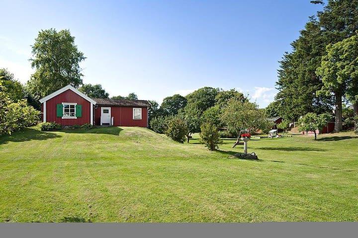 Röda stugan - Red cottage, villa Gunnebo - Stenungsön