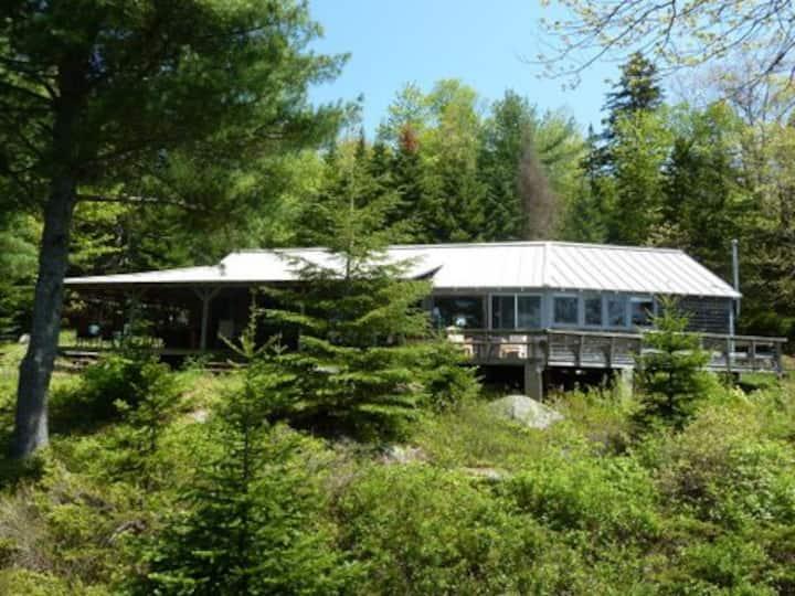 Bears Den Lakefront Home Near Acadia