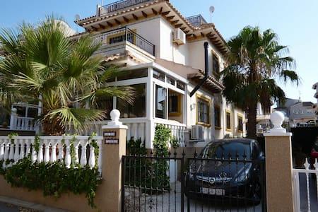 Villa near Torrevieja w. pool, wifi, beaches, golf - Orihuela - Villa
