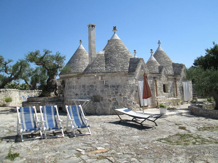 Fico d'India-trullo e aia