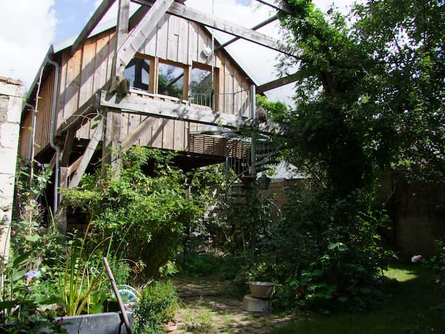 Loft with garden and barn - Bourges