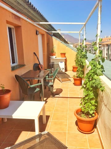 Large central penthouse double room - San Luis de Sabinillas - Apartament