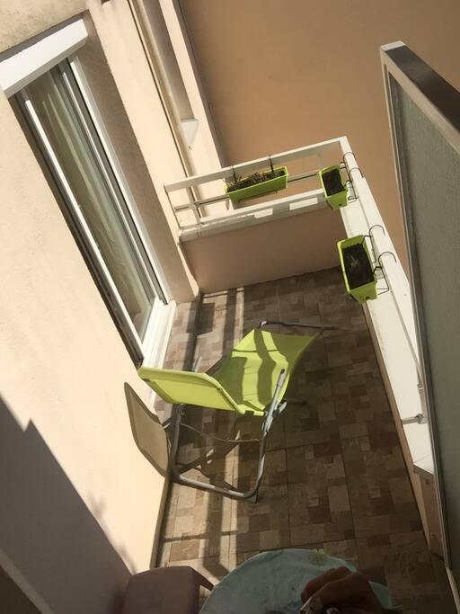 Balcon ensoleillé coté jardin